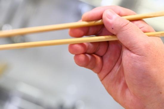 中川式お箸の正しい持ち方1